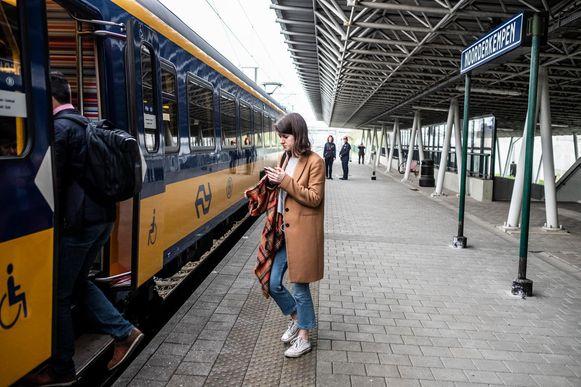 Een trein in het station Noorderkempen.