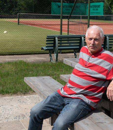 Henk (72) weet waarom aed's nodig zijn: zijn leven werd gered met apparaat dat hij zelf ophing