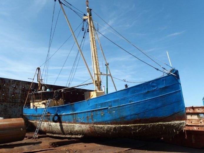 Bij duiklocatie Strijenham (79) op Tholen wil de Nederlandse Onderwatersport Bond (NOB) een wrak afzinken: de garnalenkotter TS 7.