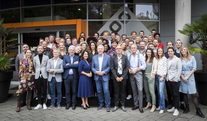 Groepsfoto tijdens de seizoenspresentatie van de NPO 2018-2019.