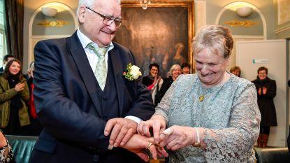 """VIDEO: Na 30 jaar liefde treden Norbert (76) en Anita (75) in het huwelijksbootje: """"Plots riep hij vanuit zijn zetel of ik met hem wou trouwen"""""""