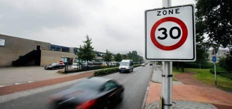 'Hoe pakken we hardrijders in de 30 km-zone aan: kliko's op de weg?'