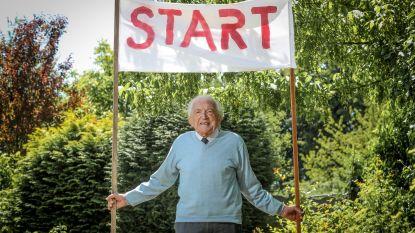 """Dokter Leempoels (103), 's lands oudste huisarts, stapt marathon tegen corona: """"Dat virus moét de wereld uit, potdorie"""""""