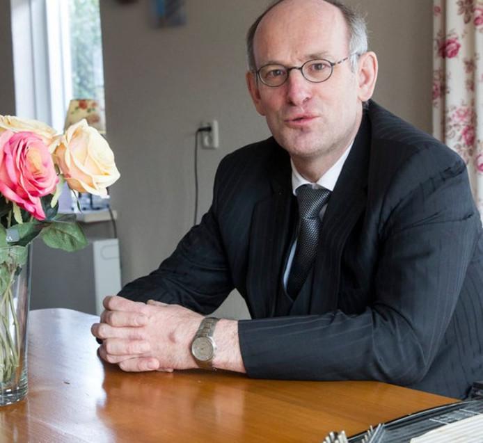 Piet de Vries is voormalig predikant en een van de Nederlandse kartrekkers van het Nashville-pamflet.