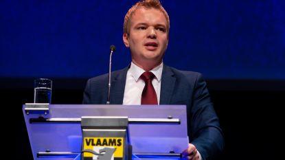 """Aanvaring tussen mediaminister Dalle en Vlaams Belang over """"belachelijke"""" diversiteitsquota bij de VRT, openbare omroep reageert"""
