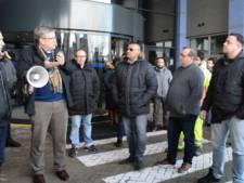 Bezorgde inwoners demonstreren tegen mogelijke nachtsluiting HAP Alphen
