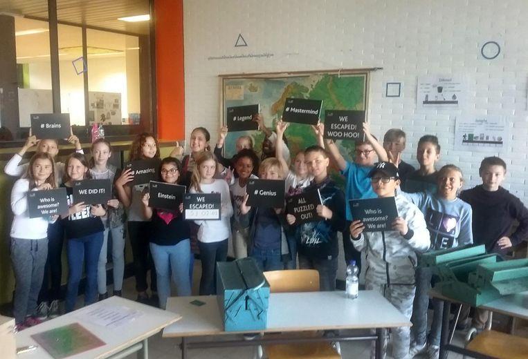 De leerlingen van vijf basisscholen kunnen workshops volgen in de Talentenschool Turnhout. Die gaan onder meer over robots maken of, zoals hier, uit een 'escape room' ontsnappen.