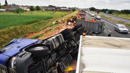 E403 dicht na ongeval met truck