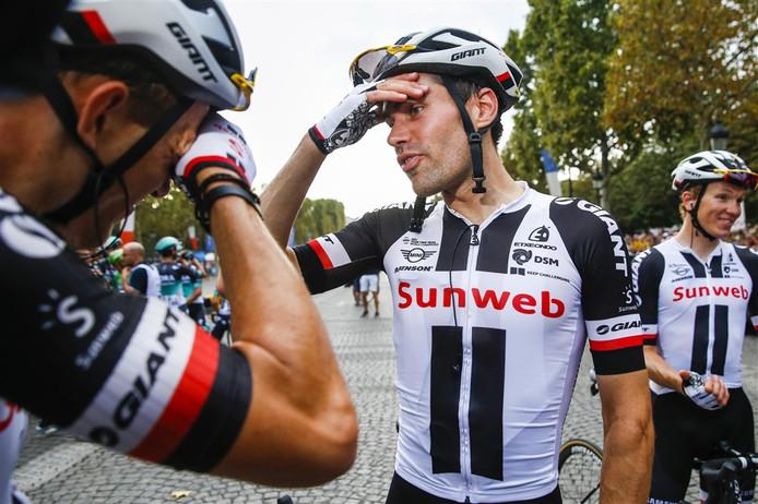 2018-07-29 21:12:34 PARIJS - Tom Dumoulin op de Champs-Elysees na het behalen van de tweede plaats in het algemeen klassement van de Tour de France 2018. ANP BAS CZERWINSKI