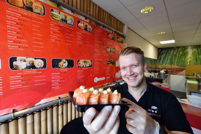 Archieffoto: Eigenaar Bart Kolbrink in zijn zaak Direct Sushi in Oldenzaal.