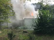 Brand verwoest chalet Center Parcs Eemhof: twee konijnen dood