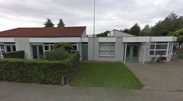 Het voormalige pand van basisschool De Wingerd is in beeld als opvanglocatie van statushouders.
