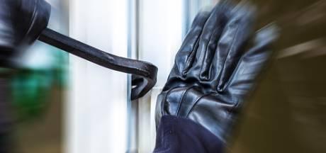 10.000 euro beloning na diefstal Breitlings en dure sneakers in Nijmegen