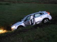 Auto belandt in sloot na ongeluk op A2 bij Culemborg