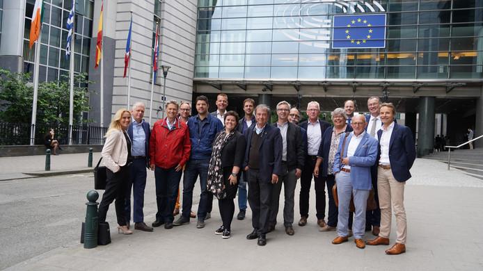 In 2018 bezocht een Hilvarenbeekse afvaardiging de Europese Commissie. De gesprekken tijdens dat bezoek hebben indirect geleid tot het huidige plan voor een ontwikkelingsfonds. Midden vooraan Wiet van Meel.