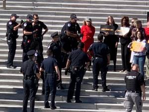 Jane Fonda arrêtée lors d'une manifestation pour le climat