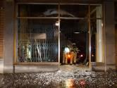 Ramkraak bij durekledingwinkel in Deventer binnenstad: daders crashen met vluchtauto bij A28