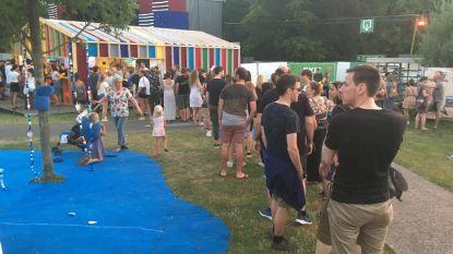 """Lange wachtrijen aan drankstanden spelen Copacobana Festival parten: """"Hitte deed betaalsysteem uitvallen"""""""