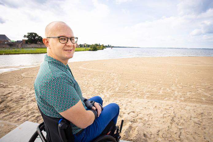 Ralph Stoové is blij dat rolstoelers en visueel gehandicapten worden betrokken bij het verbeteren van de toegankelijkheid.