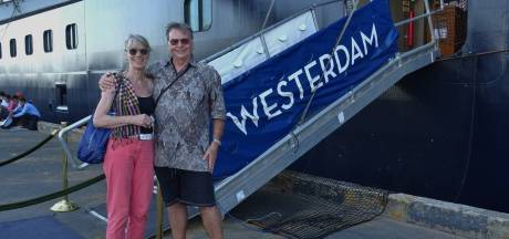 Familie Knibbe thuis na cruise: 'Dorpsgenoten zijn bang'