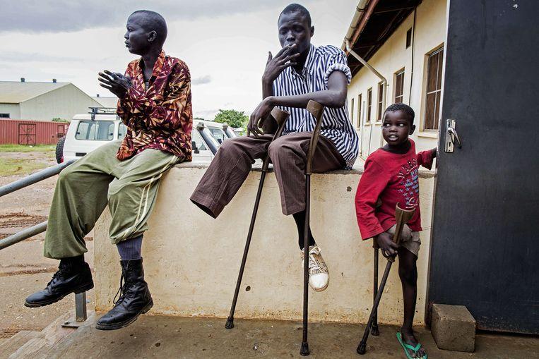 Een revalidatiecentrum in Juba, Zuid-Soedan. De kinderen op de foto zijn gewond geraakt doordat ze op landmijnen terecht zijn gekomen. Beeld afp