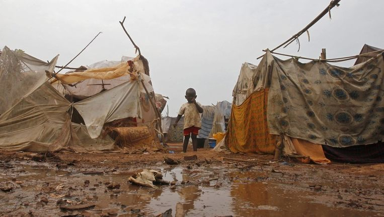 Een jongetje in een vluchtelingenkamp in de Centraal-Afrikaanse Republiek. Beeld EPA