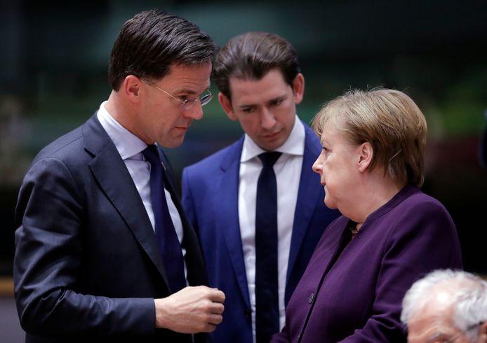 Mark Rutte, Premier ministre des Pays-Bas, le chancelier autrichien Sebastian Kurz et la chancelière allemande Angela Merkel (archive d'illustration)
