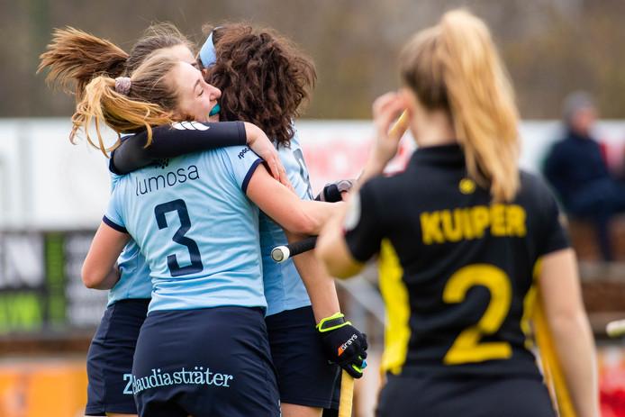 Vreugde bij de speelsters van Nijmegen.