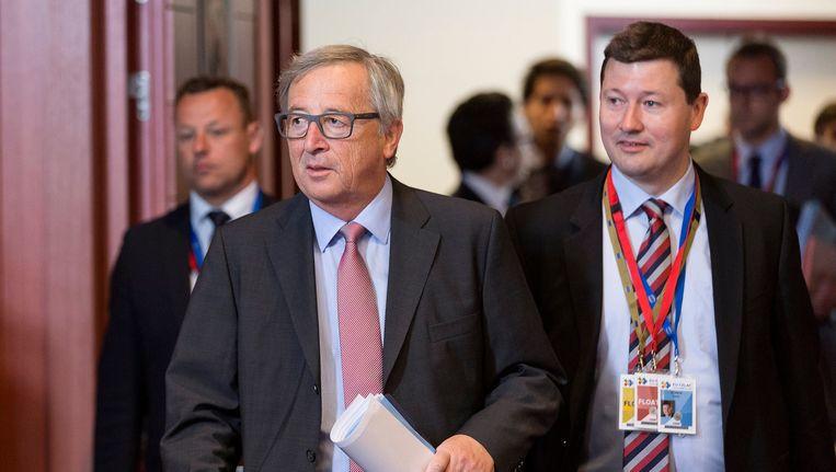 Jean-Claude Juncker (L) en Martin Selmayr.