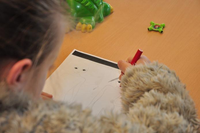 Kinderen in armoede, een van de foto's op de expositie in Schijndel.