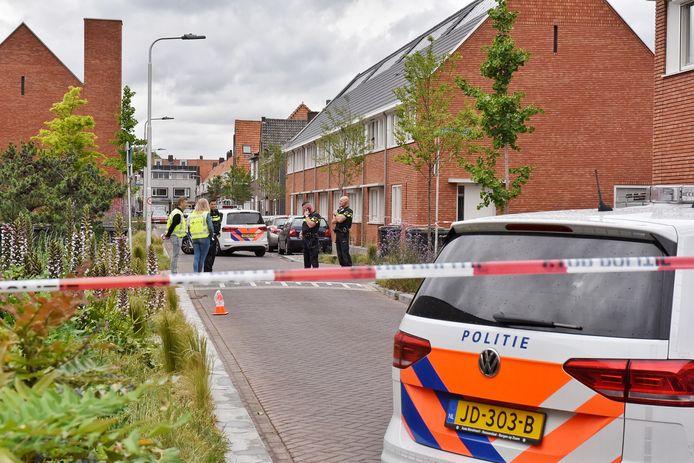 Deel van Van Mierisstraat afgezet.