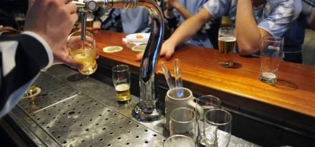 Alcoholboetes voor de voetbalclub dankzij lokjongeren ... straks moet de contributie nog omhoog