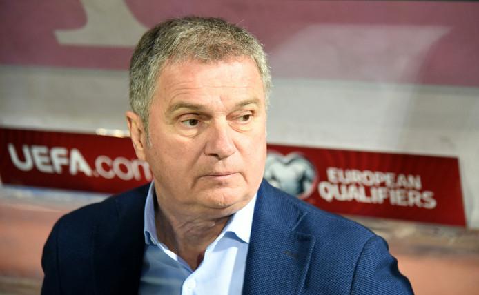 Ljubisa Tumbakovic weigerde op de bank te zitten in de EK-kwalificatiewedstrijd tegen Kosovo.