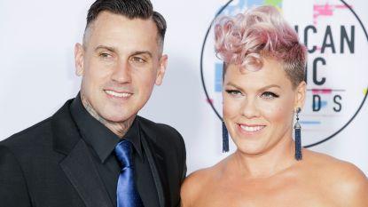 """Pink stak afgelopen Thanksgiving de banden van echtgenoot Carey lek: """"De feestdagen zijn stresserend"""""""