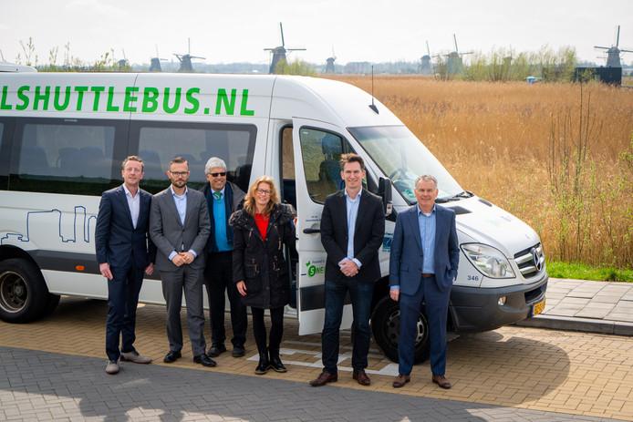 De shuttlebus die toeristen naar Kinderdijk bracht.