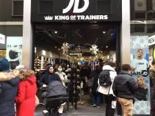 TERUGLEZEN| Lange rijen voor hét koopje: Den Haag beleeft drukke Black Friday