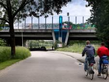 Liefdesverklaring op viaduct leidt tot aanspreken  Rijkswaterstaat: 'Er staat best veel aanstootgevends'
