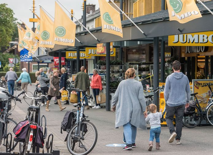 Winkelcentrum Tweelingstad in Harderwijk had vorig jaar te kampen met winkeldiefstallen die werden gepleegd door bewoners van het nabijgelegen asielzoekerscentrum. De overlast is inmiddels grotendeels teruggedrongen.