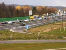 Rijstrook A12 bij Arnhem weer vrij na buspech