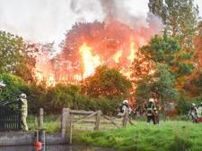 Bewoner alles kwijt na grote boerderijbrand