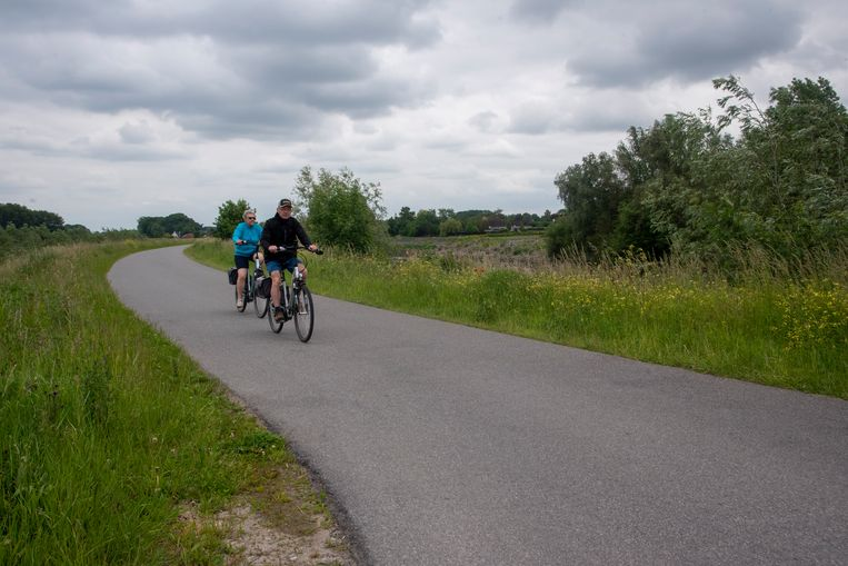 De Tragelweg tussen Wetteren en Aard in Schellebelle wordt een fietsstraat.