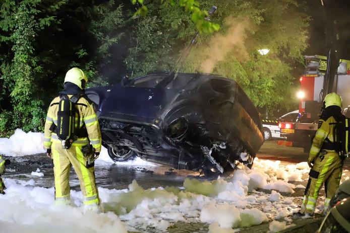De brandweer wist de autobrand in Kampen te blussen.