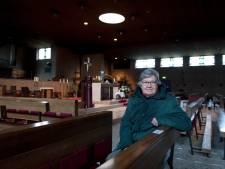 Pauluskerk in Raalte straks definitief dicht; kerkganger Jos Woerdman (81) kijkt er niet van op