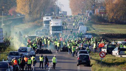 244.000 automobilisten op straat tegen hoge brandstofprijzen in Frankrijk: 1 dode en tientallen gewonden