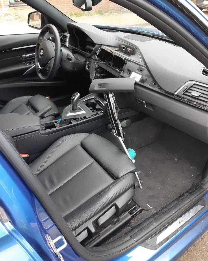 In de Arnhemse wijk Schuytgraaf wordt in BMW's ingebroken, waarbij uit het dashboard onderdelen worden weggenomen.
