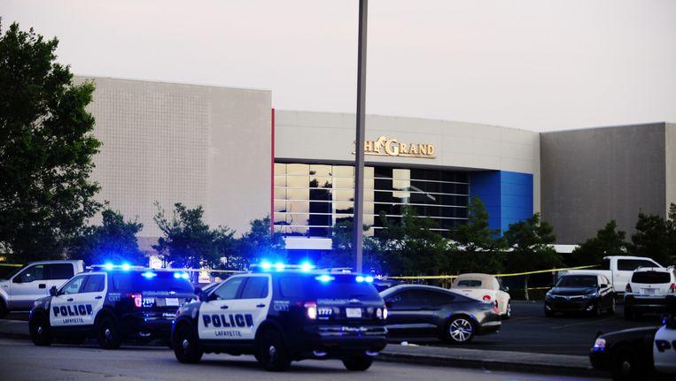 Politieauto's bij bioscoop The Grand Beeld ap