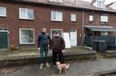 Woningsplitsing in de Diepenbrockstraat in De Bennekel Eindhoven met eigenaar Bart Hondebrink (links) en buurtbewoner William Maas
