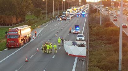 E17 uren afgesloten na zwaar ongeval, vrouw (22) overleden