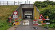 Omleiding wordt niet gesmaakt: onbekende heeft betonblokken al vier keer weggesleept