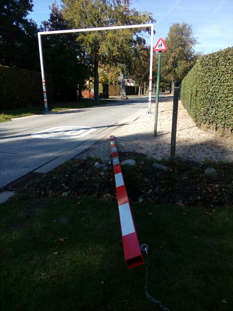 De hoogtebegrenzer in de Leenstraat werd op vrijdag 5 oktober beschadigd.